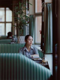 Official website for MIKIYA TAKIMOTO PHOTOGRAPH OFFICE. Film Inspiration, Portrait Inspiration, Light Photography, Film Photography, Drawing Exercises, Edward Hopper, Photo Composition, Beauty Shoot, Portrait Poses