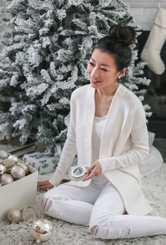 cream cardigan jbrand jeans holiday casual outfit