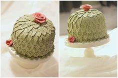 ett kreativt liv: En liten princesstårta på ett annorlunda vis. # tårta tårtor cake cakes marsipan bakemyday leaf löv rosor roses favorite favorit