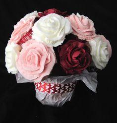 Valentine's Day Mini Cupcake Bouquet - by cakescookiesandmore @ CakesDecor.com - cake decorating website❤❤❤