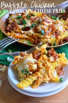 Buffalo Chicken Bacon Cheese Fries Ingredients 16oz Crinkle Cut Frozen Fries 1/2 cup white cheddar, shredded 1/2 cup cooked shredded chicken 1/4 cup buffalo sauce 1 tbsp green onions 3 tbsp bleu cheese 3 strips of bacon, crumbled source => Buffalo Chicken Bacon Cheese Fries Continue reading... The post Buffalo Chicken Bacon Cheese Fries appeared first on All The Food That's Fit To Eat .
