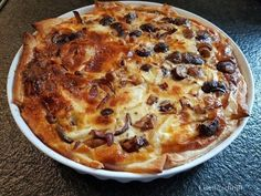 Autumn recipe: Savory pie with onions and mushrooms - Quiches, Vegetarian Recepies, Good Food, Yummy Food, Oven Dishes, Puff Pastry Recipes, Savoury Baking, Happy Foods, Freezer Cooking