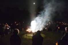 Dit ritueel, de vuur cirkel met namen zingen is een onderdeel van Levende Namen