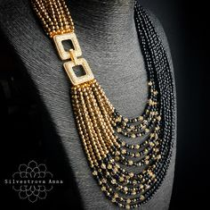 """""""Mi piace"""": 804, commenti: 17 - Анна Сильвестрова (@a.silver) su Instagram: """"И несколько фото роскошного черно-золотого колье, листайте. Носить можно как асимметрично, замочек…"""""""