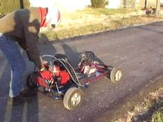 Learn how to build you own go-kart. Here, the whole process is broken down into four parts, each with a step-by-step guide. Build A Go Kart, Diy Go Kart, Go Kart Buggy, Off Road Buggy, Mini Jeep, Mini Bike, Go Kart Plans, Tube Chassis, Engine Repair
