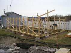 Greenhouse frame - Greenhouse Planks - Beams for greenhouse - How to build a greenhouse frame. Instructions: http://www.usa-gardening.com/greenhouse/greenhouse-4.html