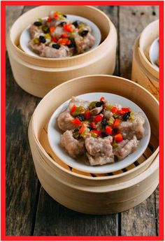 Chinese Steamed Spare Ribs with Black Beans is one of the best and well-known dim sum dishes. This steamed ribs dim sum recipe, is so easy to make at home! Chinese Broccoli Recipe, Broccoli Recipes, Rib Recipes, Asian Recipes, Cooking Recipes, Asian Foods, Dim Sum, Sushi, Spareribs