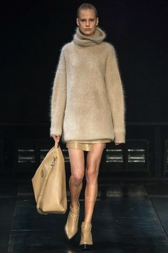 Foto HLHW201415 - Helmut Lang Herfst/Winter 2014-15 (8) - Shows - Fashion - VOGUE Nederland