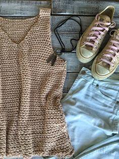 Tops Tejidos A Crochet, Crochet Tank Tops, Crochet Summer Tops, Crochet Shirt, Mode Crochet, Easy Crochet, Top Pattern, Free Pattern, Crochet Woman