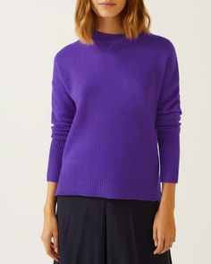 Explore Jigsaw's range of luxury women's knitwear, from cashmere and cotton jumpers to wool cardigans and ponchos in both vibrant or neutral colours. Cotton Jumper, Cashmere Jumper, Wool Cardigan, Jigsaw Clothing, Feminine Dress, Tailored Trousers, British Style, Knitwear, Fashion Outfits