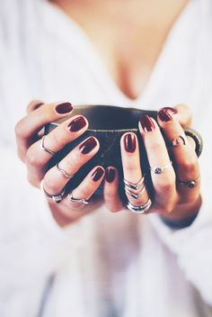 Jewelry Trends oxblood nails + stacked rings are just a few of our favorite fall accessory trends!oxblood nails + stacked rings are just a few of our favorite fall accessory trends! Dark Nail Polish, Dark Nails, Silver Nails, Silver Rings, Silver Pendants, Red Polish, Matte Nails, Glitter Nails, Oxblood Nails