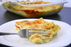 Le lasagne ai carciofi con speck e provola affumicata sono un primo goloso e consistente, ottimo per un pranzo domenicale in famiglia, tanto più che siamo