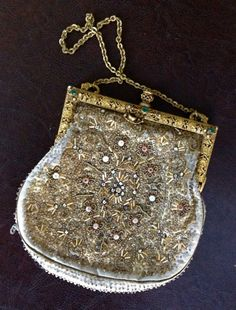 Vintage purse with chain strap