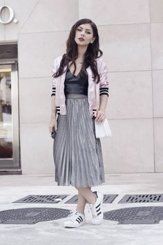 www.streetstylecity.blogspot.com Fashion inspired by the people in the street ootd look outfit sexy skirt silver metallic leather top leather
