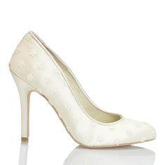 Zapato de novia con flores estampadas de Menbur (ref. 5044) Print flowers bridal shoes by Menbur (ref. 5044)