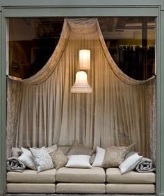 Daybed love - I don't care if it's a shop window, I'm moving in...(via Pierre Frey)