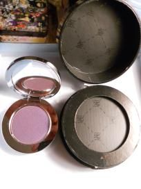 BRAND NEW NEVER TESTED OR USED!! $15    Rock & Republic Saturate Eyeshadow TWISTED    Twisted - glowy cool purple with a purple-blue flash        Long wearing, formulated for easy application  Housed in R&R's unique weighty mirrored compact  Richly pigmented fo...
