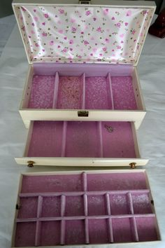 Vintage 2 Jewelry Boxes 2 Tier Faux Leather Red Interior Royal Purple Velvet Lining Buxton White 2 Tier Gold with Lock No Key