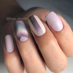 Light purple acrylic nails will never be outdated. Even now they are very popular. There is no doubt that artificial nails are a good time to save time. Their style can be adapted to any… Creative Nail Designs, Best Nail Art Designs, Creative Nails, Acrylic Nail Designs, Light Purple Nails, Purple Acrylic Nails, Light Nails, Manicure Natural, Nail Art Vernis