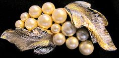 VINTAGE LISNER GOLDTONE AND FAUX PEARL BROOCH | eBay