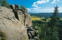 Na Hejšovině jsou stejné kvádrové pískovce, které budují česká skalní města.