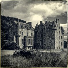 Castle Menzies Perthshire Scotland by IanRussell #Film #fadighanemmd
