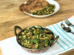 Jump to Recipe Print Recipe Bhindi Masala / Okra Stir Fry in the Instant Pot or Pressure Cooker.   Okra[...]