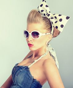 Pin Up Hairstyle for Summer with Big Bow