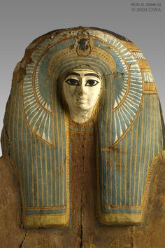 Sarcophagus of a queen, Dyn. Egypt, New Kingdom, 1570 BC Thebes Ancient Egyptian Artifacts, Ancient History, Art History, Egypt Mummy, Empire Romain, Ancient Civilizations, Egyptians, Wow Art, Monuments