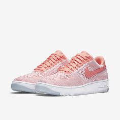 Nike Air Force 1 Flyknit Low in peach