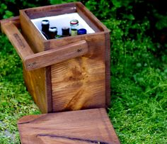 Wooden Cooler :}} Great for outdoor parties and stylish :]