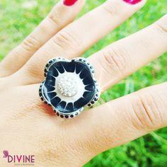 El alma de una mujer es delicada como una flor y eterna como la porcelana. Precio: $20.000