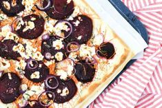 Flammkuchen met rode biet en geitenkaas: als fingerfood of a... - De Limburger Mobile Pepperoni, Vegetable Pizza, Pancakes, Vegetables, Breakfast, Food, Crepes, Griddle Cakes, Hoods