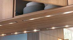 Das A und O bei der Küchenplanung sind die Maße des Raumes. Aus seiner Größe ergibt sich, wie viel Platz für die verschiedenen Funktionen der Küche benötigt...
