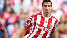 """It seems as if US national team defender Geoff Cameron has earned himself quite the """"pretty boy"""" reputation amongst his Stoke City teammates..."""