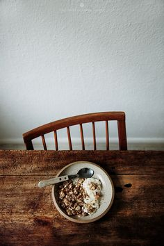 Breakfast granola with bacon / Marta Greber