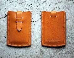 Roberu Leather Card Case.