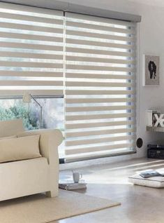 Decor: 10 Curtain Designs for you to get inspired! – You need decor - Modern Patio Door Blinds, Blinds For Windows, Curtains With Blinds, Window Curtains, Bedroom Curtains, Sheer Curtains, Cortinas Rollers, Home Living Room, Living Room Decor