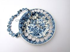 Necklace made of Delft dish