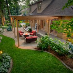 Houzz Hollyrod Ave. Landscape Co. Love, love, love this backyard.