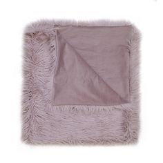 KAP Home pillows brings all of the elements of luxurious decorative accents with essential decorative throw pillows that captivate the look of any room. Blush Throw, Green Velvet Armchair, Decorative Throw Pillows, Accent Decor, Fur, Guest Room, Accent Pillows, Guest Bedrooms, Feathers