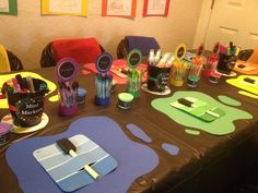 Art Party Table and Place Settings #artparty #placesettings