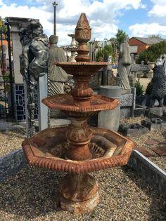 Mooie ijzeren fontein... Leuk voor je tuin.te koop bij Medussa Heist op den berg