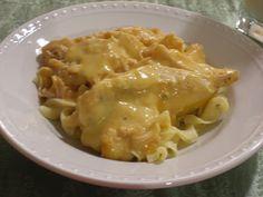 Recipes of a Cheapskate: Cheesy Crockpot Chicken
