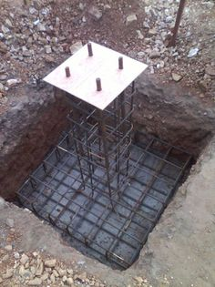 How to anchor post to concrete Building Foundation, House Foundation, Steel Frame House, Steel House, Eco Deco, Steel Structure Buildings, Steel Frame Construction, Building A Container Home, Container House Design