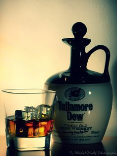 Photography Photos, Vodka Bottle, My Photos, Drinks, Food, Drinking, Beverages, Essen, Drink
