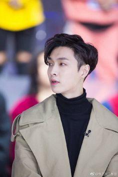 Lay - 180122 Zhang Yixing Studio's weibo update Credit: 张艺兴工作室. Baekhyun Chanyeol, Yixing Exo, Chanbaek, Exo Ot12, Kaisoo, Lay Exo, Taemin, Tao, Star Academy