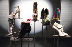 Γιατί οι γυναίκες αγαπούν τα παπούτσια