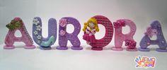 nome realizzato in fimo stile principessa. ogni letterina ha il suo supporto Clay Art For Kids, Clay Design, Fimo Clay, Polymers, Gum Paste, Biscuit, Fondant, Baby Shower, Passion