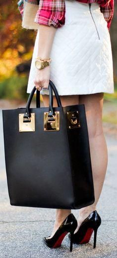 ¡Que tu bolsa sea la protagonista de tu look! http://www.linio.com.mx/moda/bolsas-de-mano/utm_source=pinterest&utm_medium=socialmedia&utm_campaign=MEX_pinterest___fashion_bolsa_20141007_19&wt_sm=mx.socialmedia.pinterest.MEX_timeline_____fashion_20141007bolsa19.-.fashion